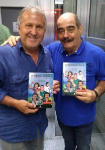Zico e Rivellino com o novo livro da Via Escrita